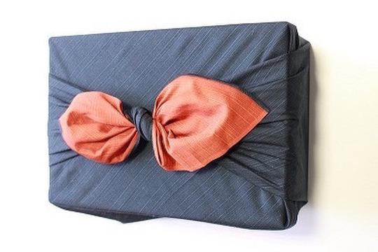 【贈答用】30年産「神の力」桐箱・風呂敷包み玄米5kg(コシヒカリ)